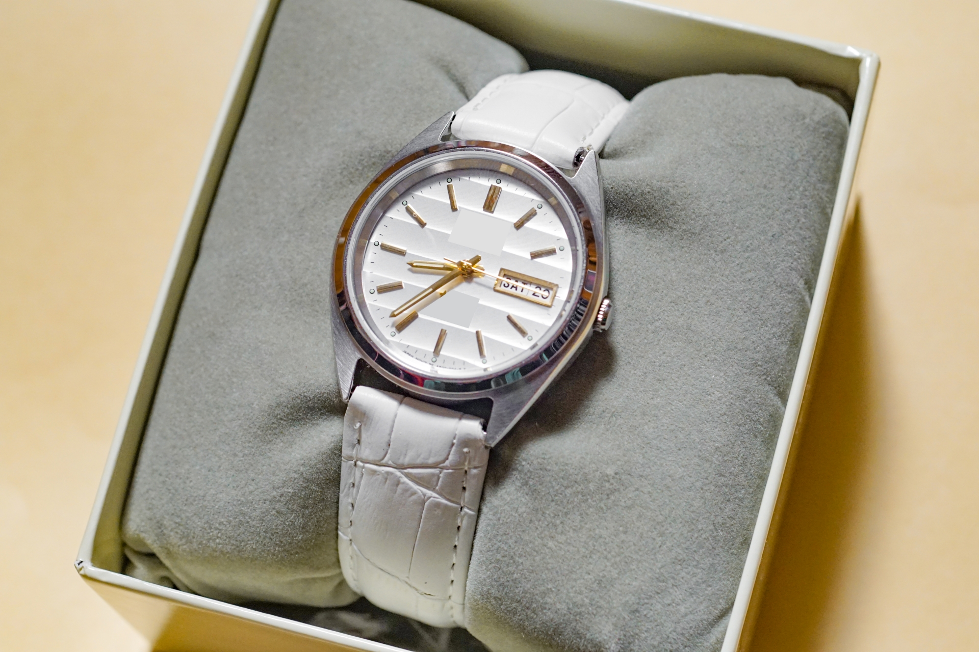 箱に入っている時計