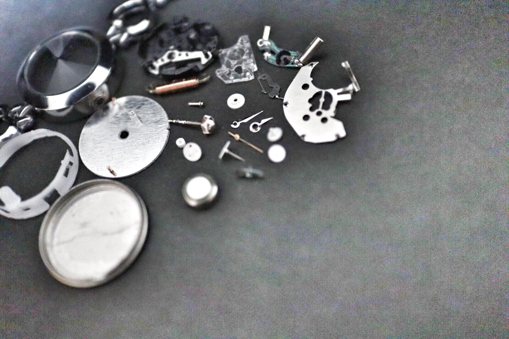 時計のパーツたち